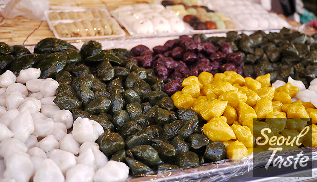 Colorful 송편 (songpyeon), a 추석 (Chuseok) food. Fun to guess the filling!