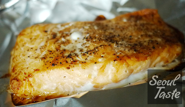 Bake salmon in foil