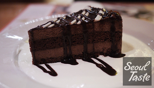 Chocolate Mousse Torte (4900원)
